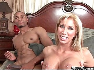 Soccer milf Morgan Ray takes a cumload