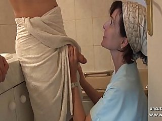 French mom seduces young guy with cock gets analyzed