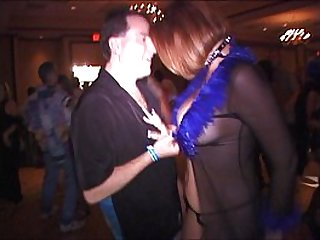 BBW MILF powerless to stop hubby making her squirt WidescreenHD now on RED