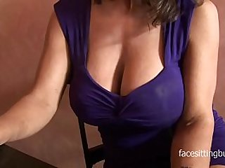 Barman cant resist this huge cleavage