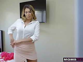 MomsTeachSex Hot Mom Caught With StepSiblings In Threesome!