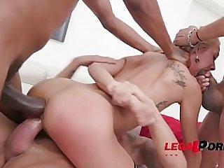 Cute slut Veronica Leal fucked deep
