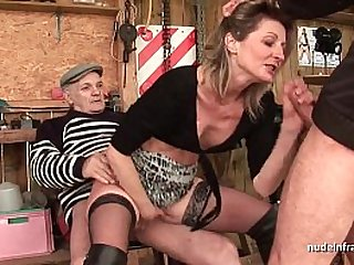 Skinny Amateur milf gets anal fucked in threesome sex with Papy Voyeur outdoor