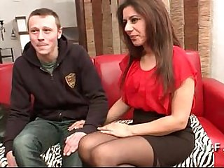 Amateur French arab mom fucked hard for her casting couch