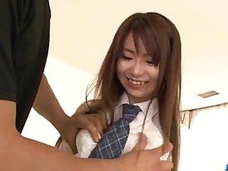 Naosima Ai schoolgirl in heats tries cock