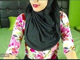 Real Hijab Arab Egypt Masturbates Her Creamy Pussy Webcam