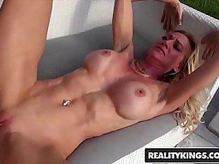 RealityKings Milf Hunter Ceira Roberts, Levi Cash Sexy Ceira