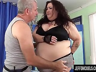 A Sex Crazed Masseur Rubs Down BBW Moon Babys Fat Body and Fleshy Cunt