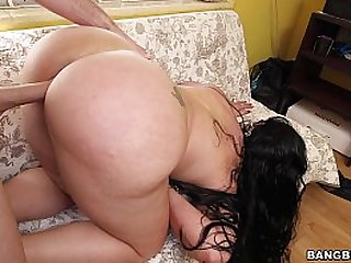 Huge Booty ripples while Fucking