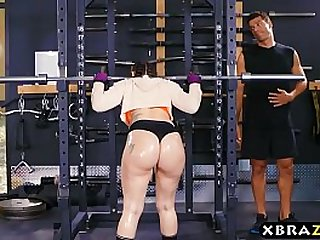 Big ass gym babe Mandy Muse anal fucked hard after squats
