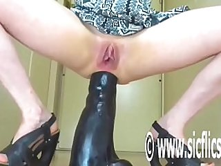 Destroying Her Ass With a Gargantuan Dildo