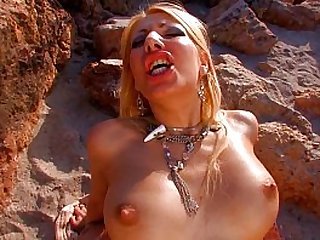 Hot blonde babe fucked by hard at the beach