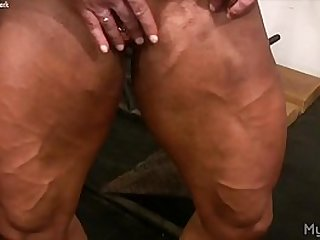 Female Bodybuilder Lisa Cross Plays with Fucking Big Clit